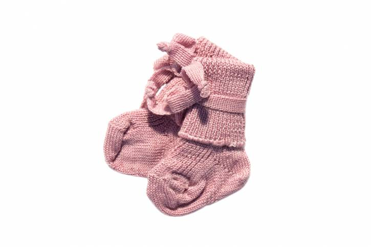 Neugeborenensocke von Hirsch Natur rosa